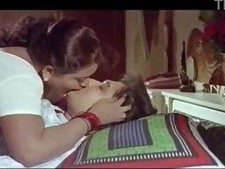 aunty-boy-desi-indian-tamil