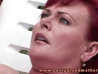 fingering-grandma-granny-mature-older woman-outdoor