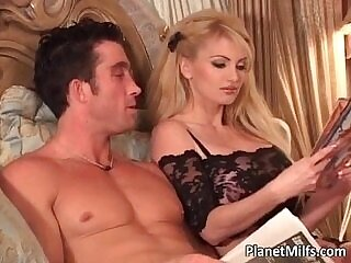 blonde-fuck-milfs