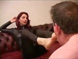 femdom-fetish-foot-foot fetish-nylons-worship