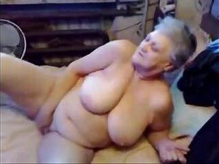 amateur-fingering-grandma-nasty-pussy