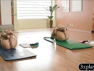 babe-girl-naked-sexy-yoga