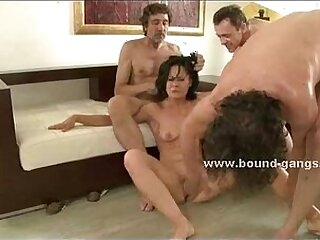 girl-moaning-pornstar-screaming-sexy
