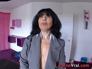 amateur-french-mature-older woman-orgasm-pussy