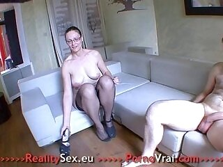 amateur-french-fuck-girl-mature-older woman