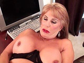 blonde-mature-older woman-posing-sissy-sluts
