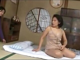 japanese-mature-mother-older woman