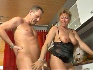 babe-fuck-goldenshower-peeing-shower-sweet