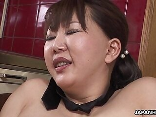 chubby-hairy-japanese-milfs-moaning-pussy