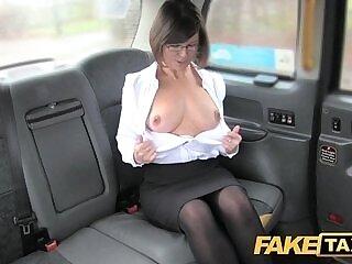 enjoying-rimming-taxi