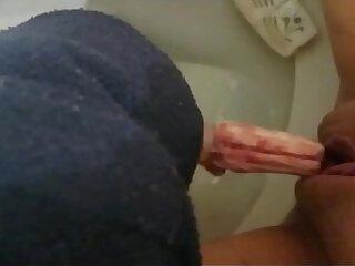 compilation-peeing-toilet